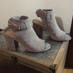 Suede like tan fall box heels sandals